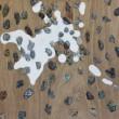 拾って来た石ころと冷蔵庫の中の牛乳を描いた作品。【M30号/油絵の具、アクリル、鉛筆、パネル】