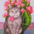 【山下 一美/YMASHITA Kazumi - メッチャンとピンクの薔薇】私のペットで一番長生きした(26年)猫を描きました。生まれつきの片目の猫でしたが、可愛い猫でした。 ― テキスタイル・デザイナー、1940年横浜生まれ、1955年父親の指導で横浜スカーフのデザインを始めて58年、スカーフはベイズリー柄を得意とし、横浜スカーフコンクールでは神奈川県知事賞など数多く受賞、現在は動物(猫、犬)、花模様の絵、クラフト制作、小さな銀杏の雛人形などを制作しております。〈360×257ミリ /イラストボード、インク、ポスターカラー〉